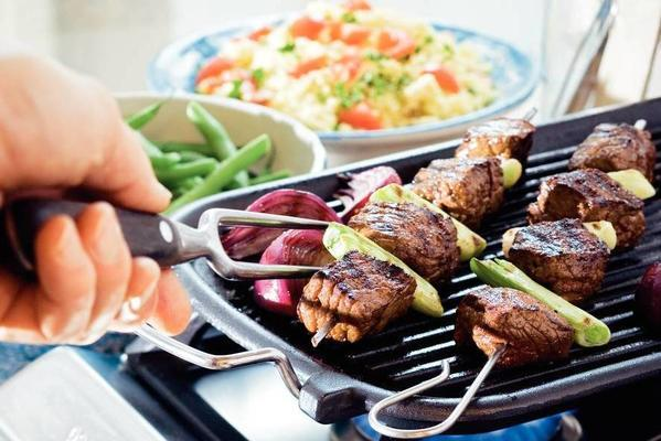 steak skewer with spring onion