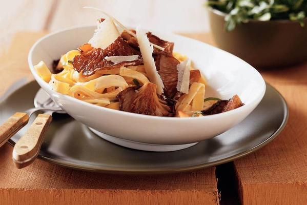 creamy tagliatelle with oyster mushrooms