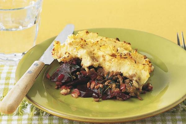 casserole with beetroot and minced meat