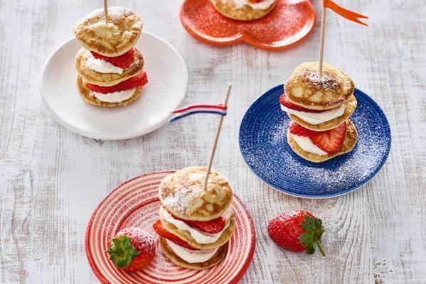 king's tower with poffertjes and strawberries