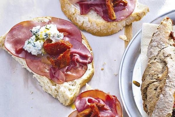 open sandwich smoked tomato