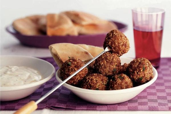 Moroccan balls with garlic sauce
