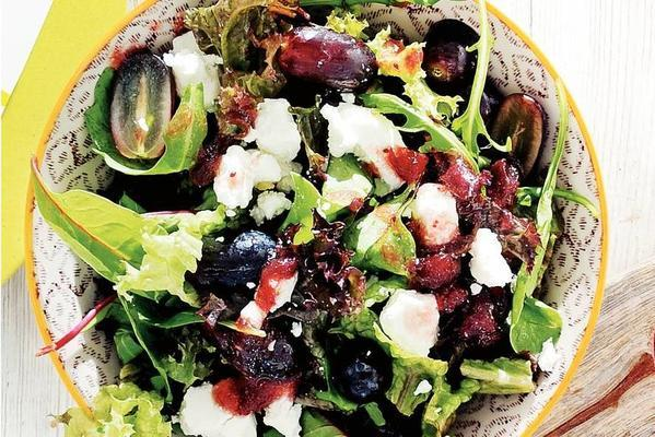 goat cheese salad with grapes