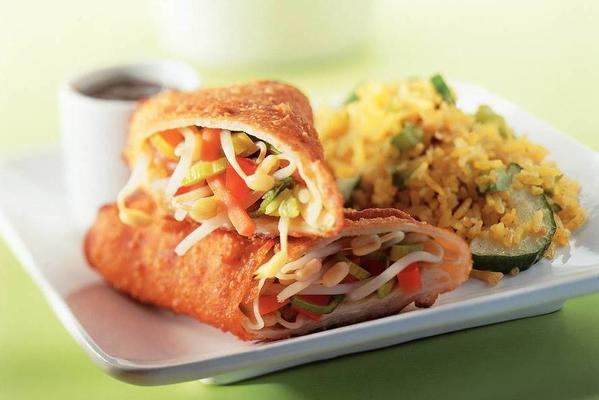 spring rolls with bean rice
