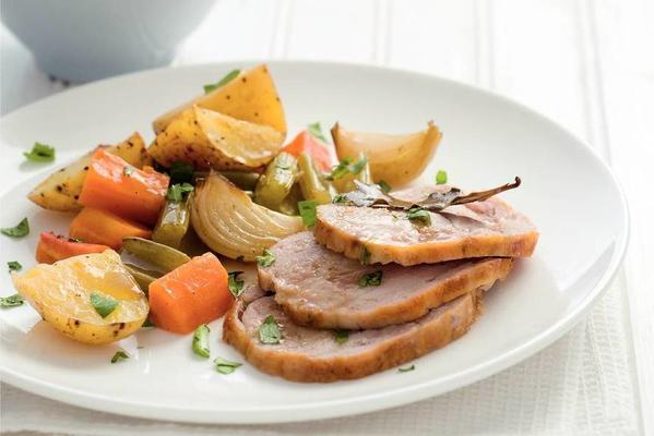chicken roulade with vegetables from the oven