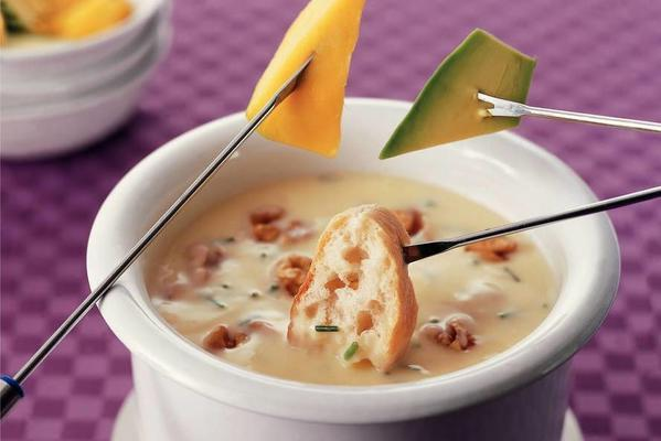 cheese fondue with walnuts and cider