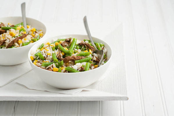 Thai rice salad with beef strips