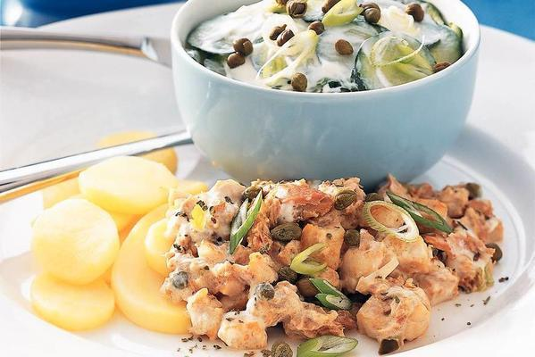 potato slices with chicken and tuna
