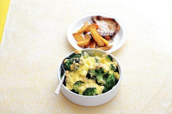 broccoli gratin with pork chop