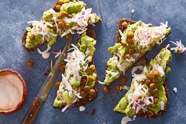 toast with avocado spread, chickpeas and radish mix