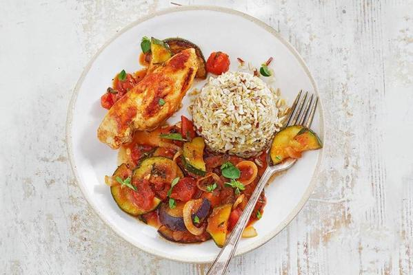 Mediterranean ratatouille with tender chicken and rice