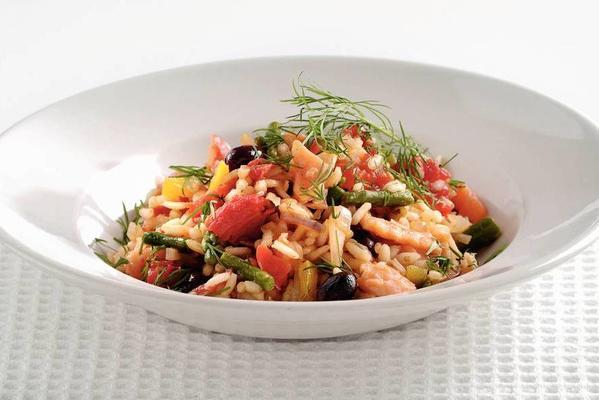 italian tomato risotto with salmon and vegetables