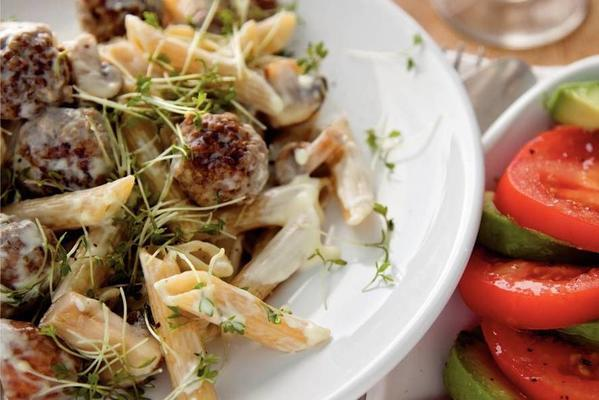 pasta with meatballs and cress