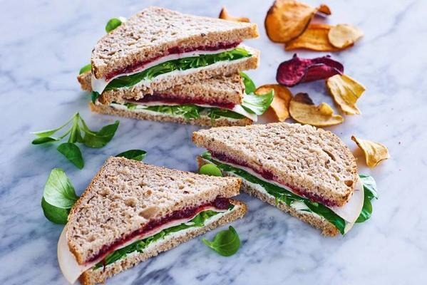 sandwich with smoked chicken and cranberry compote