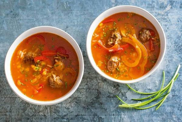 Spanish tomato soup with meatballs