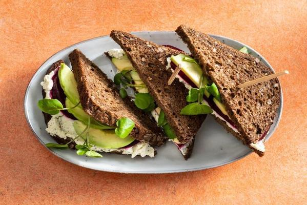 sandwich with paturain, beetroot, avocado and watercress