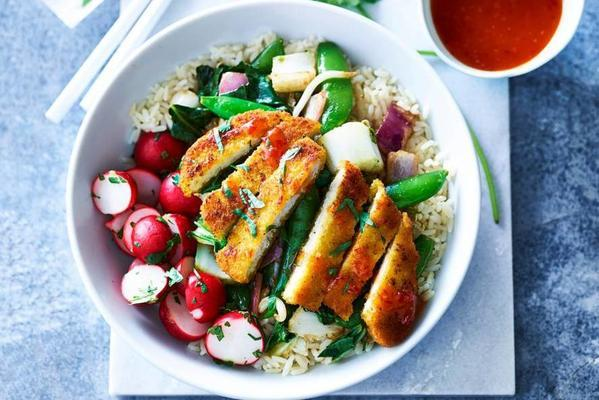 asian stir fry with vegaschnitzel and radish