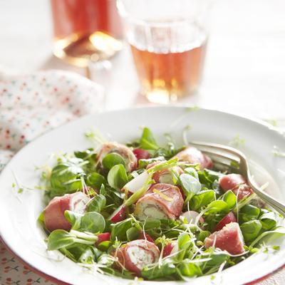 spring salad with ricotta rolls