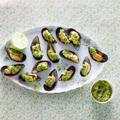 mussels with broad bean pesto