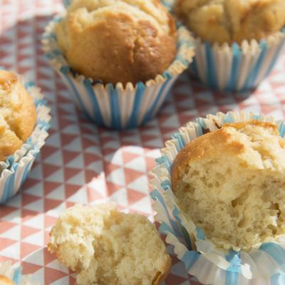 yogurt-lemon muffins