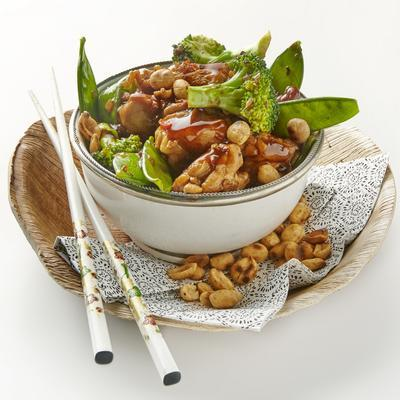 chicken with snow peas and peanuts