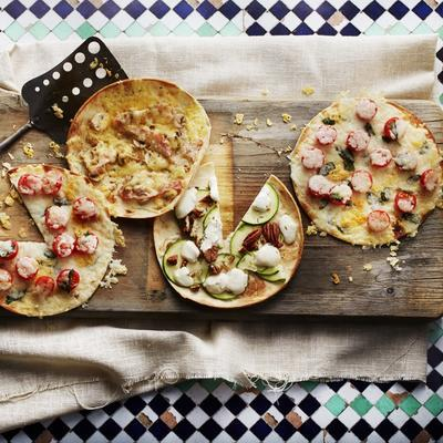 'flatbread' with zucchini and goat's cheese