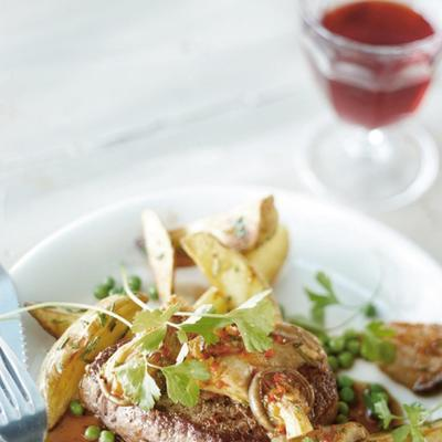 steak with oyster mushrooms and red wine sauce