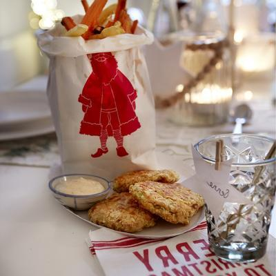 salmon biscuits with mustard mayonnaise
