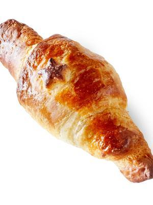 croissants with cream cheese and raw ham