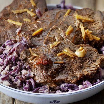 stew of red cabbage with ginger juices