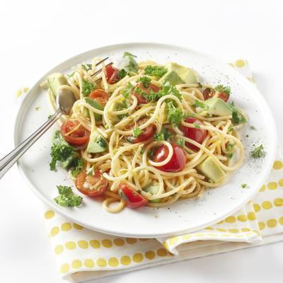 spaghetti with coriander and avocado