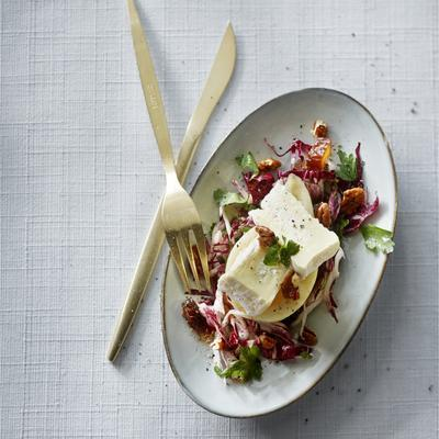 parsley salad with pear and camembert