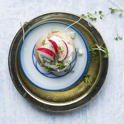 mushrooms with blue cheese and radish