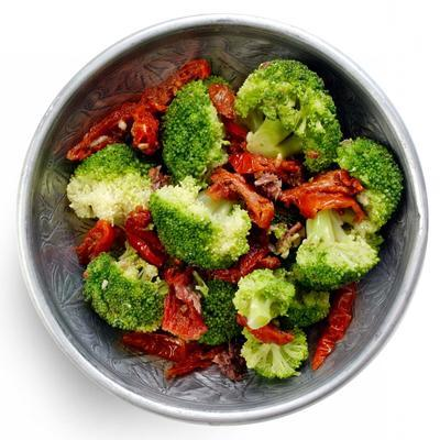 broccoli with anchovies and tomato
