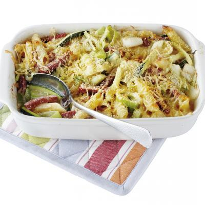 Pasta From The Oven With Leeks And Zucchini