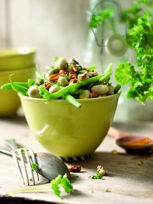 lukewarm salad of green beans, broad beans and nut dressing