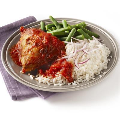 chicken piripiri with rice and green beans
