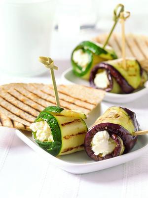 grilled courgette and aubergine rolls with cream cheese