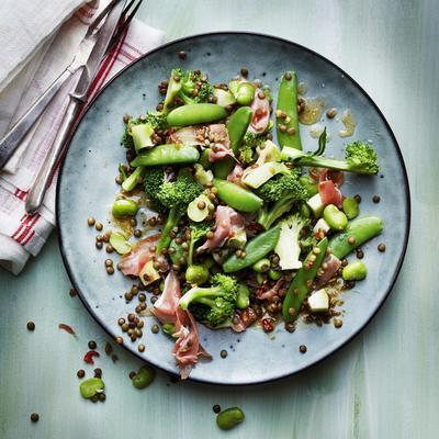 lentil salad with green vegetables