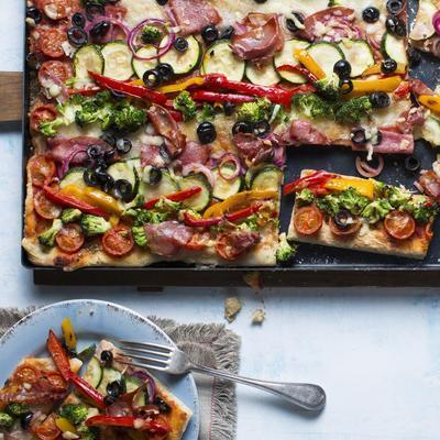 plate pizza 'multicolore'
