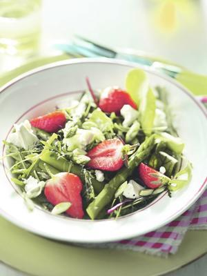 summer salad with strawberry, asparagus and goat's cheese