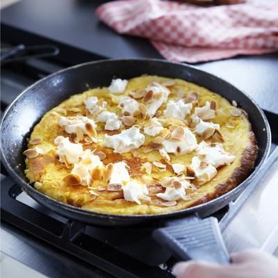 sweet honey omelette with goat's cheese