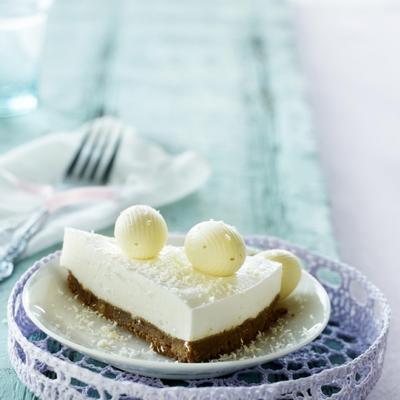 yogurt-cream cake