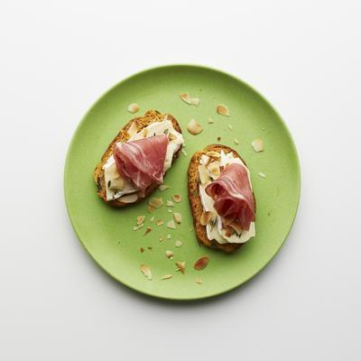 toast ham and brie