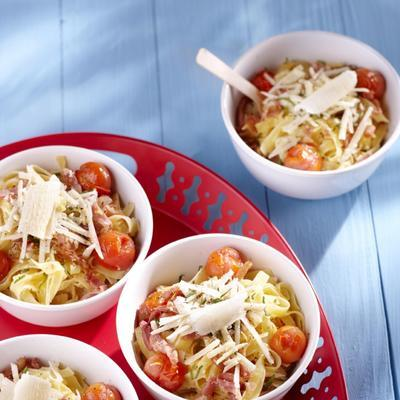 tagliatelle with puffed tomatoes