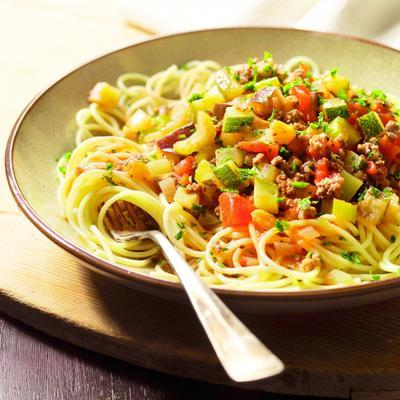 spaghetti with minced vegetable sauce