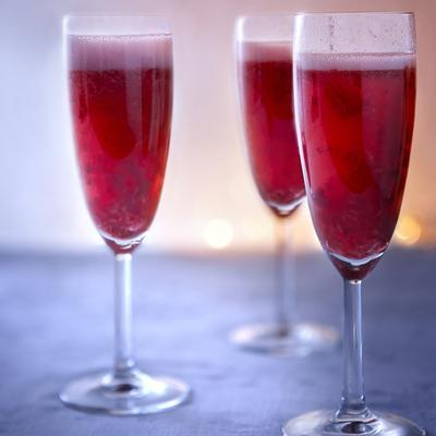 prosecco with raspberry