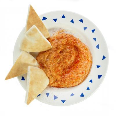 humus of red pepper