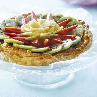 frangipane pie with fruit