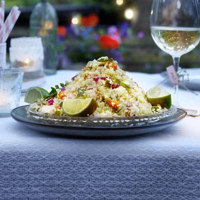 couscous with chicken, cucumber and red onion